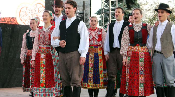 Sztárjainkat is meghódította a Pécsváradi Leányvásár